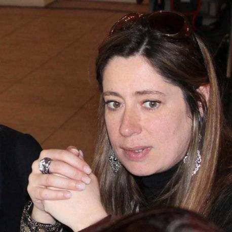 Cláudia Barata